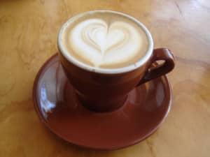 Cappuccino mit Latte Art.
