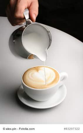 cappuccino selber machen der schnelle weg schnell und selbstgemacht. Black Bedroom Furniture Sets. Home Design Ideas