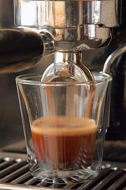 Ein guter Cappuccino fängt mit einem perfekten Espresso an!