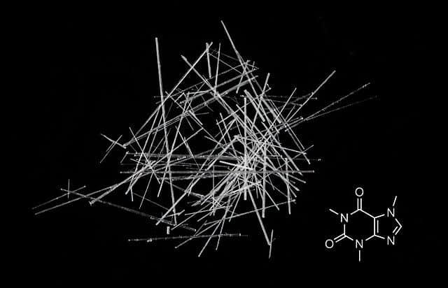 Koffeinkristalle Strukturformel